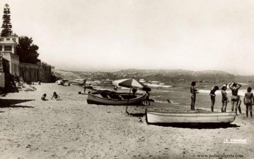 Ain el turk la plage avrc les barques