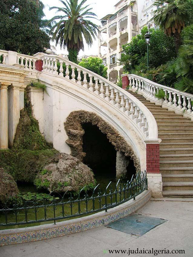 Alger escaliers du parc de galland