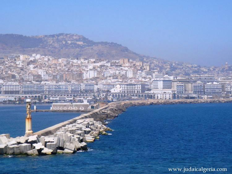 Alger la jetee du port