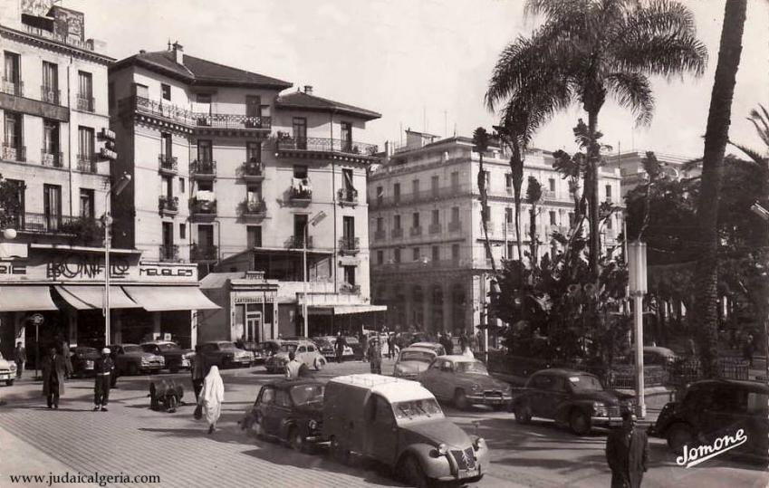 Alger place de la republique et rue bab azoun