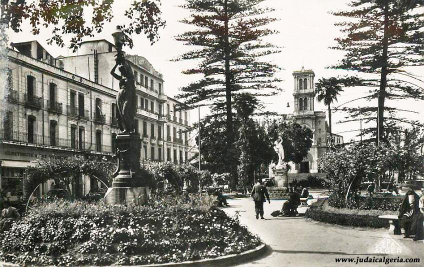 Bone le jardin de l hotel de ville 1