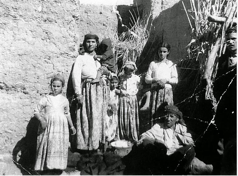 Famille juive berbere dans les environs de ouarzazate 1959