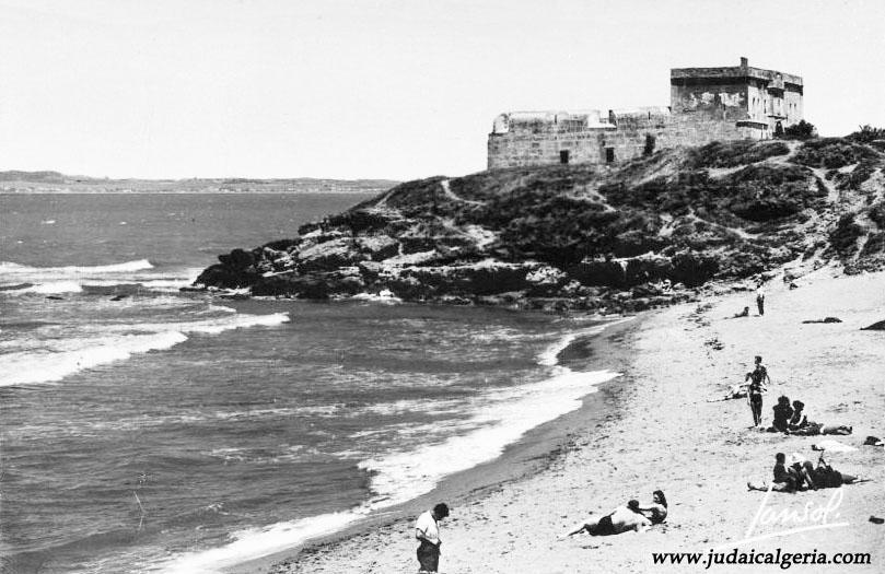 Fort de l eau la plage et le fort