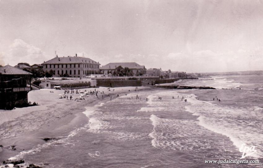 Fort de l eau vue sur le casino la plage