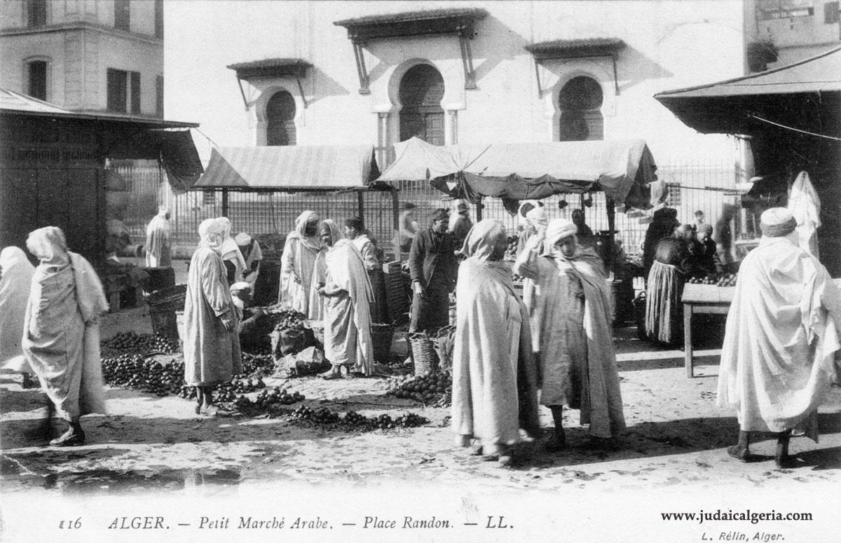Petit marche arabe place randon
