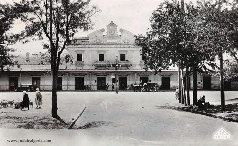 Setif facade de la gare 1