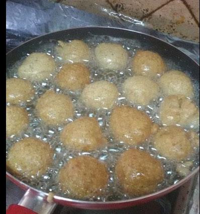 Spheries fris dans le bain d huile
