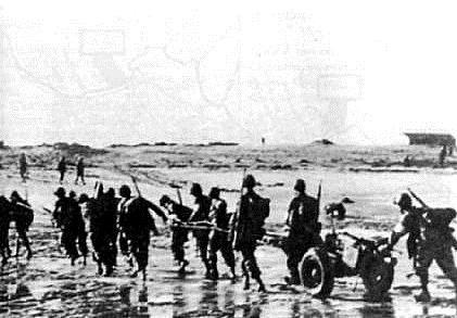 Sur la plage de fedala gi s hlant une piece anti char