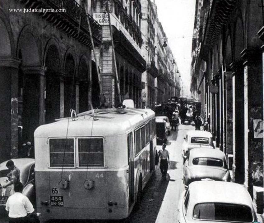 Trolley bus alger rue de la lyre