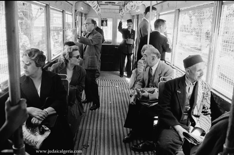 Alger interieur d un tramway 1960