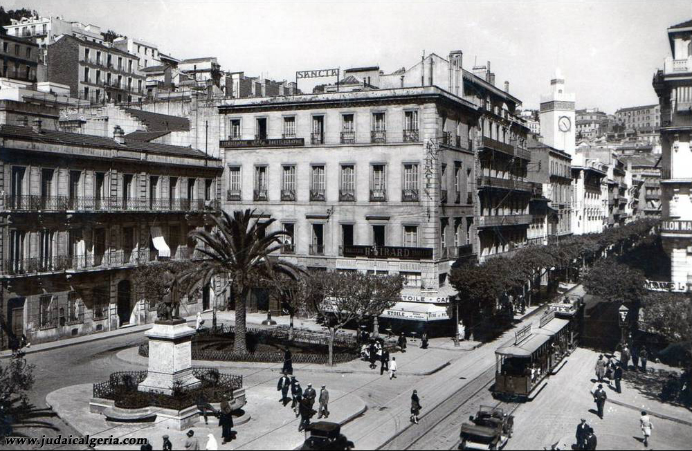 Alger rue d isly statue du general bugeaud