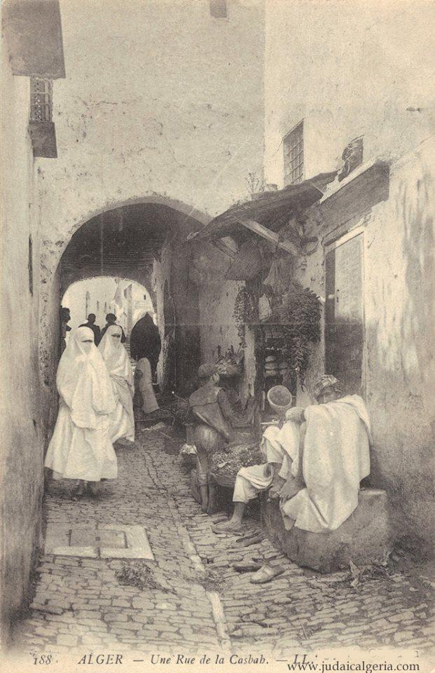 Alger une rue de la casbah