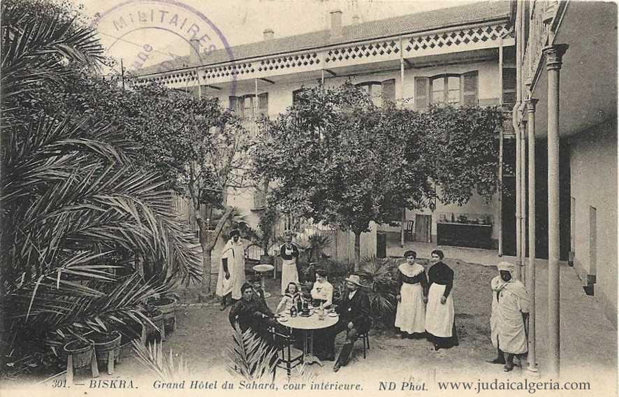 Biskra grand hotel du sahara cour interieure