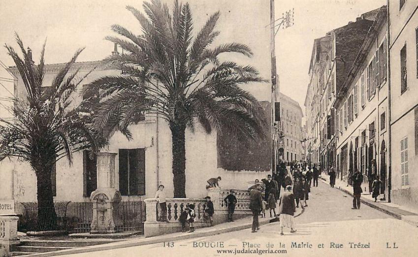 Bougie place de la mairie et rue trezel