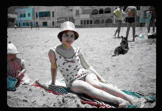 Colette sicsic sur la plage de beni saf 1