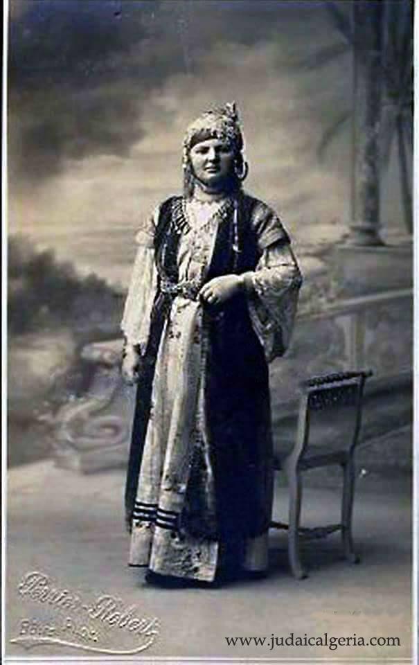 Costume traditionnel bonoise 1890