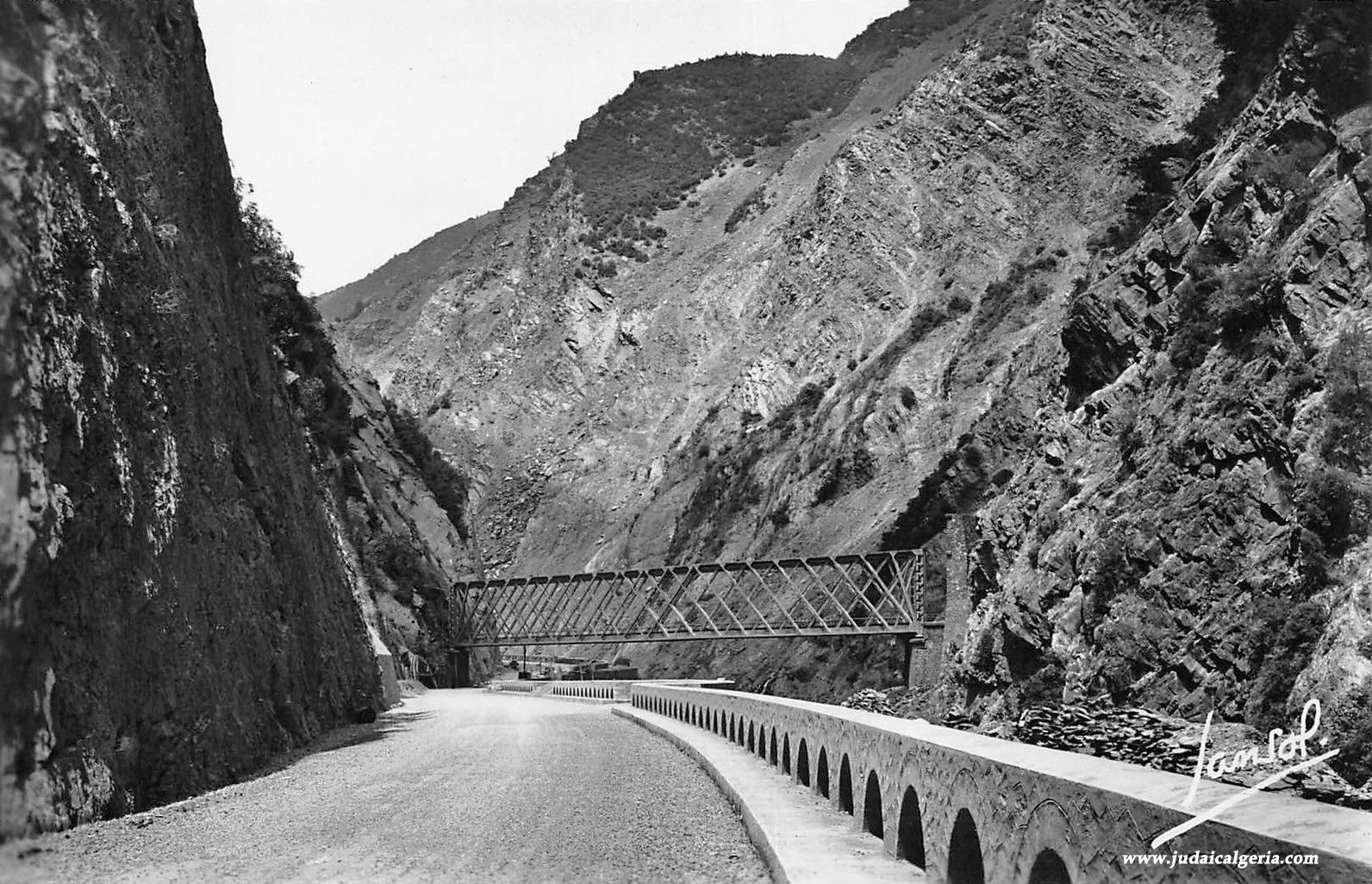 Gorges de la chiffa voie de chemin de fer