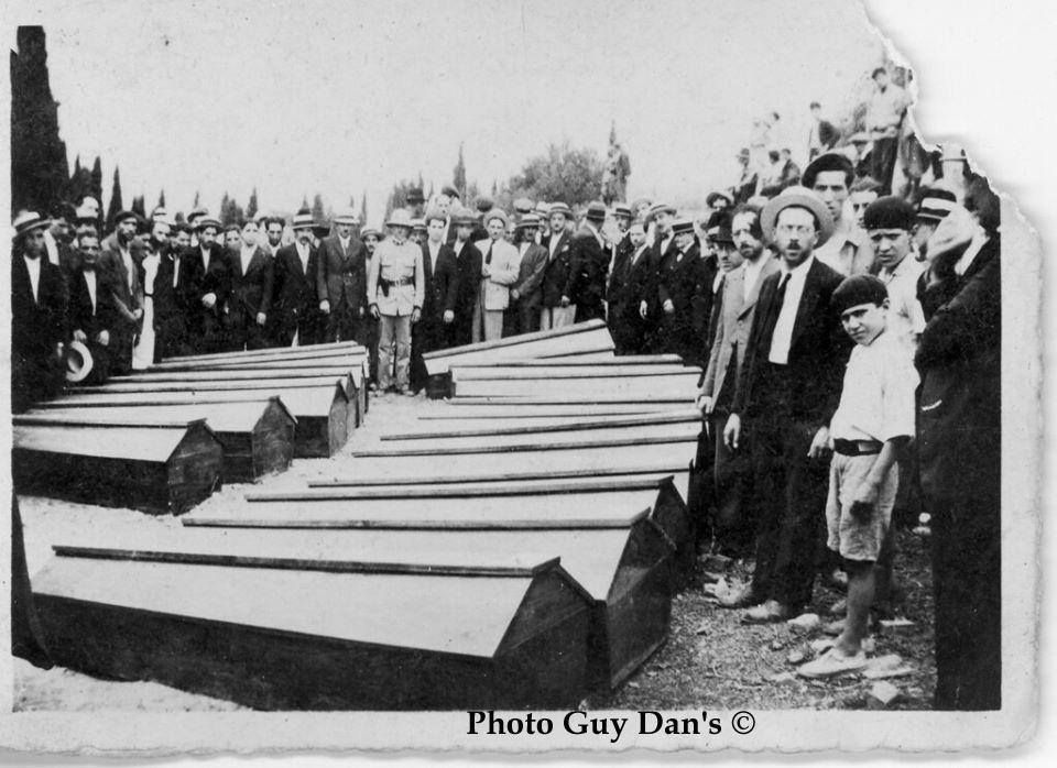 Pogrome e constantine cercueils des victimes ph guy dan s