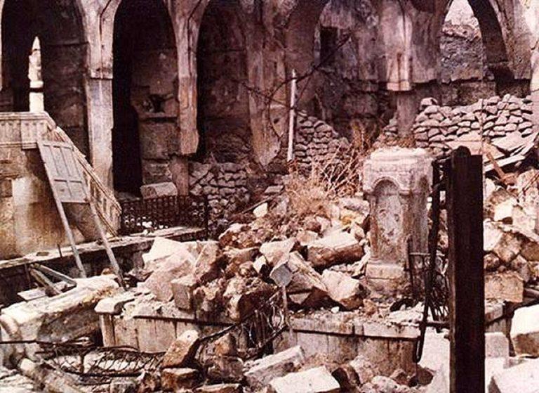 Ruines de la grande synagogue d alep en 1947