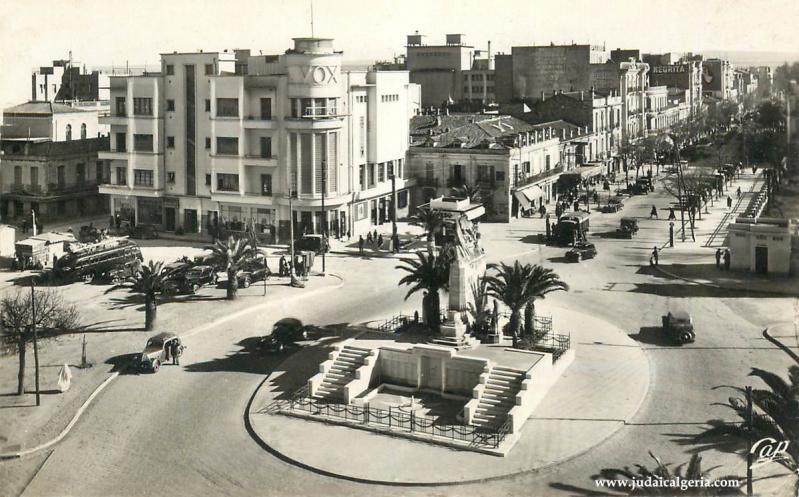 Sidi bel abbes la place clemenceau et le monument aux morts