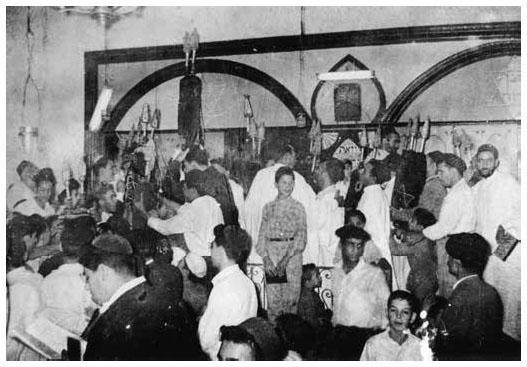 Simhat torah synagogue de ghardaia vers 1960