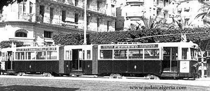 Tramway a alger publicite ferrero