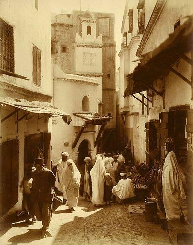 Une rue de la casbah 1910
